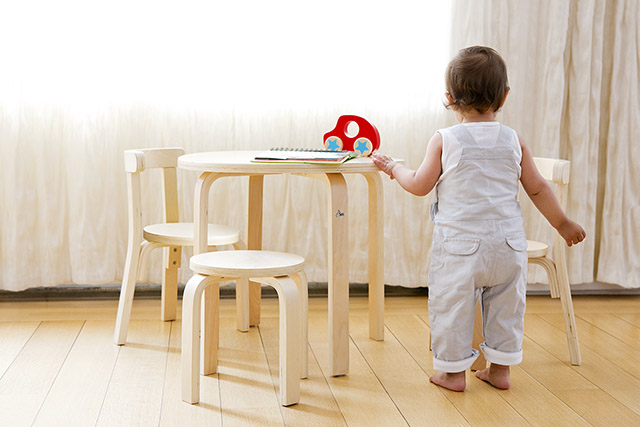 SCI SVAN Scandinavian Child Play With Me Toddler Table + Chairs Set Natural baby back facing Table
