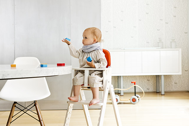 SCI SVAN Scandinavian Child girl with blocks in Baby to Booster
